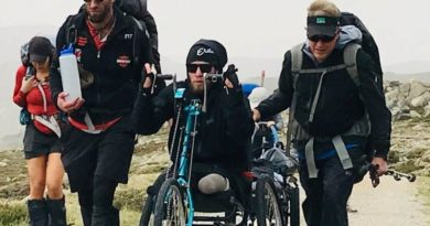 Quadruple amputee summits Australia's tallest peak